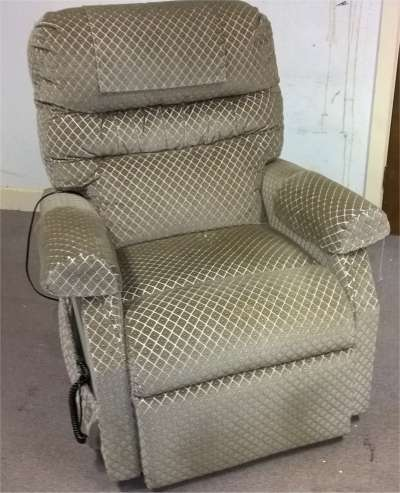Used Cosi Standard Single Motor Riser Reclining Chair : riser recliner chairs second hand - islam-shia.org