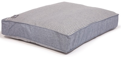 danish-design-dog-bed-maritime-blue-box-duvet