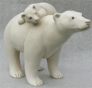 suzie_marsh_portland_stone_resin_polar_bear_with_cub_on_back_L