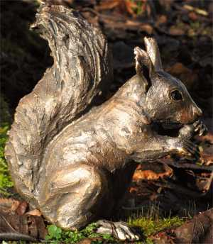 suzie_marsh_rufus_red_squirrel_copper_resin_L